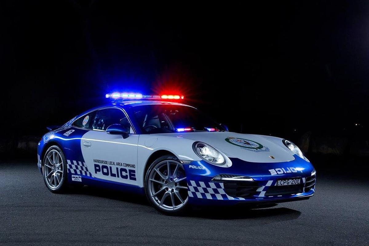 http://www.luxe.net/wp-content/uploads/2014/11/porsche-911-carrera-police-australie-2.jpg